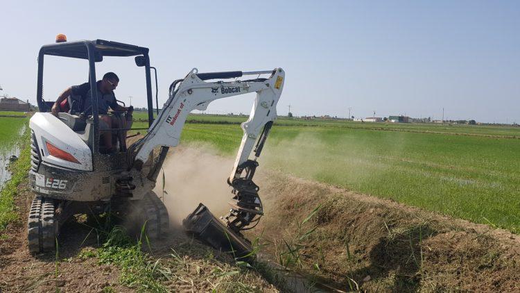 Bobcat E26 Provides Efficient Maintenance of Spanish Rice Fields